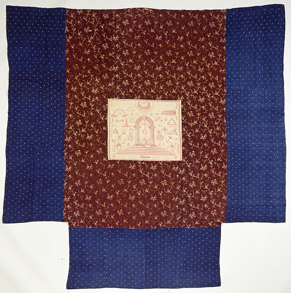 T-Shape Quilt, ca. 1817. Probably New England. Scottish Rite Masonic Museum & Library, Special Projects Fund, Supreme Council, 33⁰, Ancient Accepted Scottish Rite, Northern Masonic Jurisdiction, U.S.A., 2008.002.1. Photograph by David Bohl.
